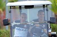 SÃO PAULO,SP, 27 Junho 2013 -  Fabio Santos e Paolo Guerrero durante treino do Corinthians no CT Joaquim Grava na zona leste de Sao Paulo, onde o time se prepara  para para enfrenta o Sao Paulo pelas finais da Recopa . FOTO ALAN MORICI - BRAZIL FOTO PRESS