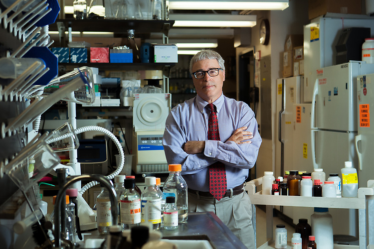 Dr. Nir Barzilai is the director of the Institute for Aging Research at the Albert Einstein College of Medicine and the Director of the Paul F. Glenn Center for the Biology of Human Aging Research and of the National Institutes of Health's (NIH) Nathan Shock Centers of Excellence in the Basic Biology of Aging.<br /> <br /> <br /> Danny Ghitis for Sciences et Avenir