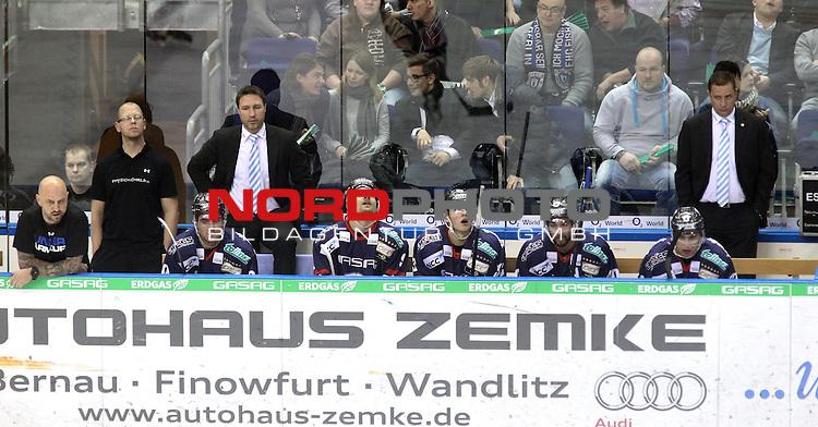 24.01.2014, O2-World, Berlin, GER, 1.DEL, Eisbaeren Berlin vs Hamburg Freezers, im Bild Eisbaerenbank<br /> <br />               <br /> Foto &copy; nordphoto /  Schulz