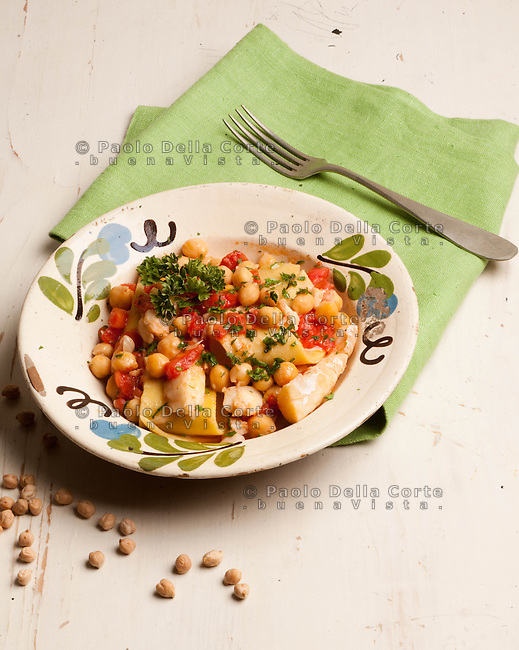 LAINE with Chickpeas and stockfish