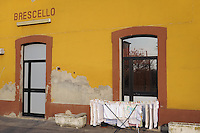 - Brescello (Reggio Emilia), stazione delle ferrovie Emilia Romagna....- Brescello (Reggio Emilia),  train station of Emilia Romagna railways