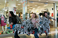 A Bad Moms Christmas (2017) <br /> Kristen Bell, Mila Kunis &amp; Kathryn Hahn  <br /> *Filmstill - Editorial Use Only*<br /> CAP/KFS<br /> Image supplied by Capital Pictures