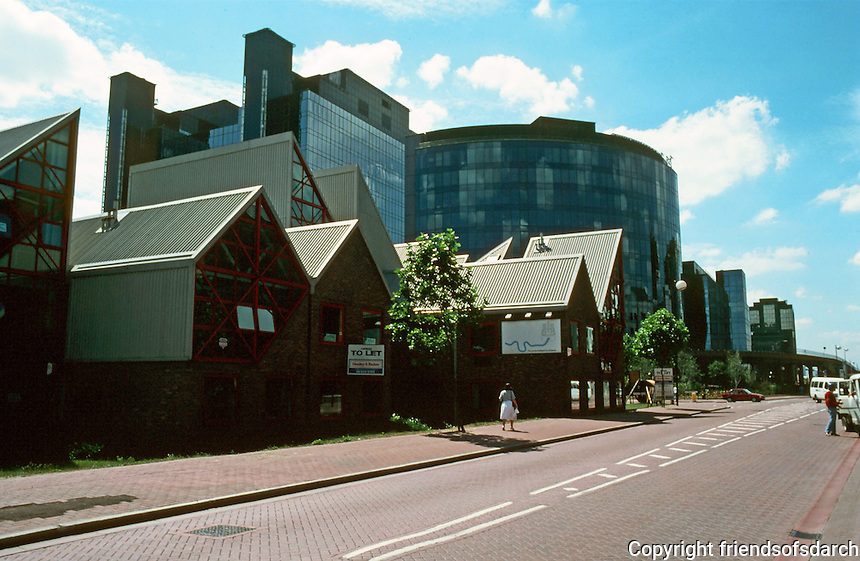 London Docklands: Isle of Dogs, South Quay--looking west, Marsh Road.  Photo '90.