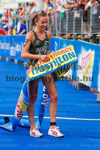 Emma Snowsill (AUS) wins the ITU women's elite triathlon world championships series final in Budapest, Hungary, Sunday, 12. September 2010. ATTILA VOLGYI