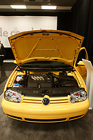 Montreal's AUTO SHOW 2007 feature many fuel-efficient cars such as<br />