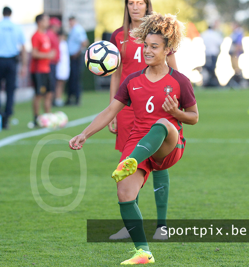 20171024 - PENAFIEL , PORTUGAL : Portugese Andreia Norton (6)  pictured during warming up of a women's soccer game between Portugal and the Belgian Red Flames , on tuesday 24 October 2017 at Estádio Municipal 25 de Abril in Penafiel. This is the third game for the  Red Flames during the Worldcup 2019 France qualification in group 6. PHOTO SPORTPIX.BE | DAVID CATRY