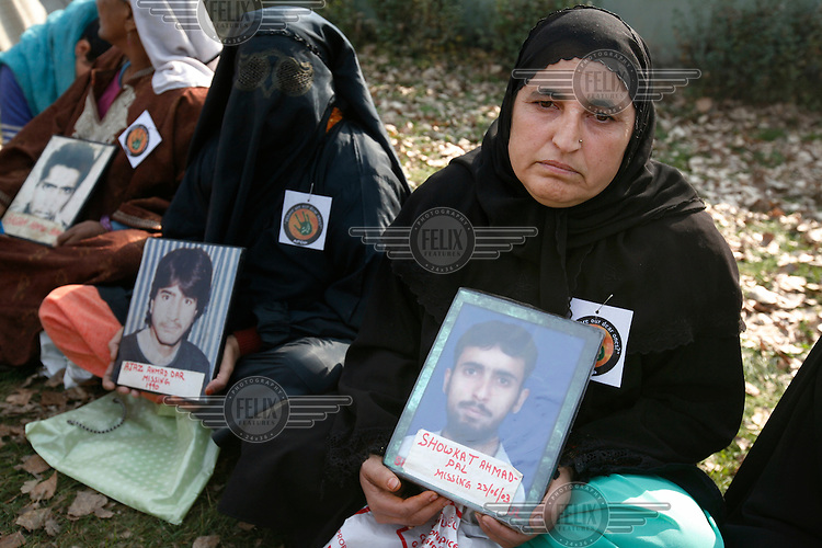 Members of the Assiciation for Parents of Disappeared Persons during one of their protests in central Srinagar, demanding to know what happened to their children.The APDP alleges that more than 10,000 people are missing in Jammu and Kashmir. The government has admitted that nearly 4,000 people are missing, but claims that some of them may have crossed into Pakistan to join militant groups. Until now, authorities have denied all responsibility for the fate or whereabouts of the ?disappeared? persons in response to habeas corpus petitions. Kashmir, India. © Fredrik Naumann/Felix Features