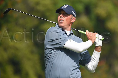 19th Februaru 2017, Pacific Palisades, CA, USA;  Matt Kuchar hits from the fourth hole tee during the final round of the Genesis Open golf tournament at the Riviera Country Club on February 19, 2017.