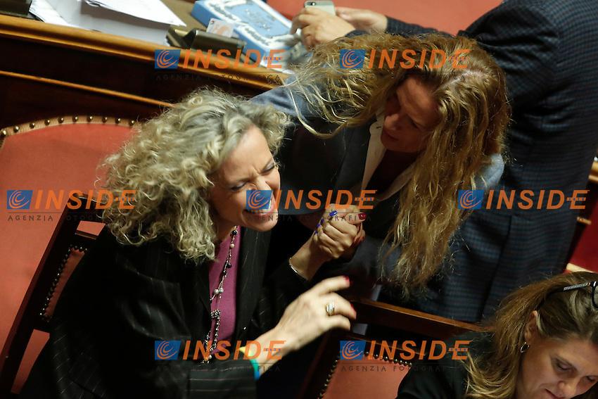 Monica Cirinna' e Manuela Repetti<br /> Roma 02-02-2016 Senato. Voto delle pregiudiziali di costituzionalit&agrave;' sul DDL Unioni Civili.<br /> Senate. Debate about the Decree law on civil unions.<br /> Photo Samantha Zucchi Insidefoto