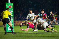 James Chisholm of Harlequins scores the match-winning try. European Rugby Champions Cup match, between Harlequins and Wasps on January 13, 2018 at the Twickenham Stoop in London, England. Photo by: Patrick Khachfe / JMP