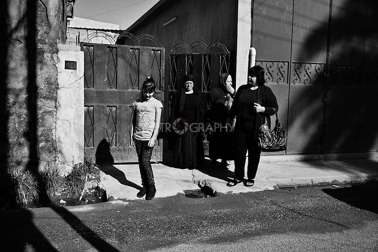 4.4..2015, Kirkuk,Iraq: Marta, Maisun, Najiba and Salma set out to go to church on Easter morning.