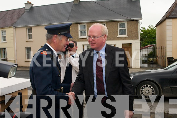 Abbeyfeale District Search and Rescue Unit unveiled a plaque at their headquarters at the Old Garda Station in Abbeyfeale on Thursday last which was performed by Tanaiste and Minister for Justice Michael McDowell..
