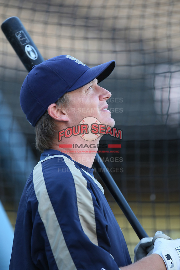 Geoff Blum of the San Diego Padres during batting practice before a game against the Los Angeles Dodgers in a 2007 MLB season game at Dodger Stadium in Los Angeles, California. (Larry Goren/Four Seam Images)