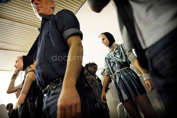 magali corouge/Documentography.Felipe Oliveira Baptista's fashion show, oct 2009 in Paris
