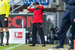 05.10.2019, Benteler Arena, Paderborn, GER, 1.FBL, SC Paderborn 07 vs 1. FSV Mainz 05<br /> <br /> DFL REGULATIONS PROHIBIT ANY USE OF PHOTOGRAPHS AS IMAGE SEQUENCES AND/OR QUASI-VIDEO.<br /> <br /> im Bild / picture shows<br /> Steffen Baumgart (Trainer / Chef-Trainer SC Paderborn 07) mit Cappy in Coachingzone / an Seitenlinie, <br /> <br /> Foto © nordphoto / Ewert