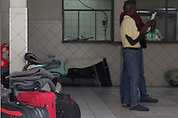 SÃO PAULO, SP - 25.05.2015: HAITIANOS-SP - Movimentação de imigrantes haitianos na paróquia Nossa Senhora da Paz, na rua do Glicério, centro da capital paulista, nesta segunda-feira,25.  (Foto: Renato Mendes/Brazil Photo Press)