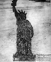 Human Statue of Liberty.  18,000 Officers and Men at Camp Dodge, Des Moines, Ia.  Col. Wm. Newman, Commanding. Col. Rush S. Wells, Directing. September 1918.  Mole &amp; Thomas.  (War Dept.)<br />