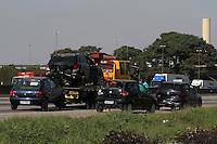 SÃO PAULO, SP, 10/03/2012, ACIDENTE RODOVIA DUTRA.<br /> <br /> Um acidente na Rodovia Dutra  KM 223 envolveu 5 veiculo na manhã de hoje (10),  não há informações sobre vitimas.<br /> <br />  Luiz Guarnieri/ Brazil Photo Press.