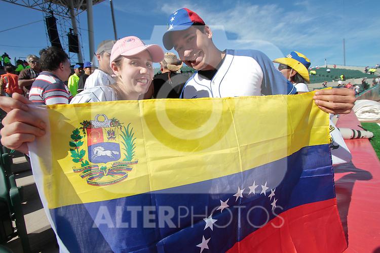 Pimer dia de acción en la Serie del Caribe 2013 en el  ¨Estadio Sonora¨ ..(BaldemarDeLosLlanos/NortePhoto)