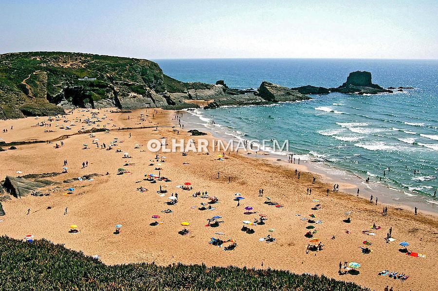 Praia da Zambujeira no ALgarve. Portugal. 2005. Foto de Rogério Reis.