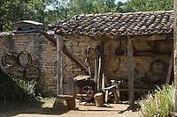 Europe/France/Midi-Pyrénées/46/Lot/Env de Sauliac-sur-Célé/Cuzals: Musée de plein air du Quercy, Détail appentis de la ferme  du 19 éme