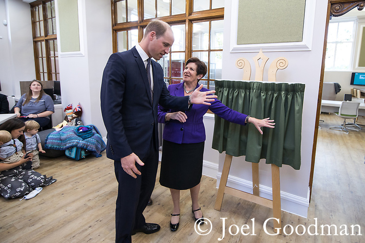 © Joel Goodman - 07973 332324 - all rights reserved . NO ONWARD SALE OR SYNDICATION PERMITTED - ONLY FOR USE IN REPORTING THE LIVE STORY TO WHICH THE PHOTOGRAPH IS RELATED . 14/09/2017 . Liverpool , UK . The Duke of Cambridge , Prince William , unviels a plaque with Mersey Care Chairman Beatrice Fraenkel during a visit to Life Rooms in Walton . Life Rooms provides community support to help people recover from mental health issues . Photo credit : Joel Goodman