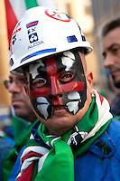 Roma 30-09-2014 Manifestazione dei metalmeccanici della Fim Cisl davanti a Montecitorio.<br /> Photo Samantha Zucchi Insidefoto