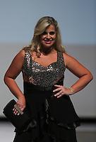 SAO PAULO, SP, 21.07.2013 - FWPS - VERÃO 2013/14 -  Modelo durante desfile da grife Pianeta no Fashion Weekend Plus Size no Memorial da América Latina região oeste de São Paulo, neste domingo, 21 (Foto: Vanessa Carvalho / Brazil Photo Press).