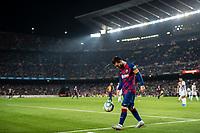 29th October 2019; Camp Nou, Barcelona, Catalonia, Spain; La Liga Football, Barcelona versus Real Valladolid; Lionel Messi juggles the ball during La Liga match against Valladolid - Editorial Use