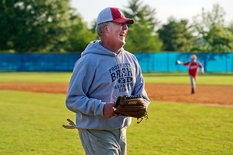 UNITED STATES - MAY 14: Rep. John Shimkus, R-Ill., attends Republican baseball practice in Alexandria, Va., May 14, 2015. (Photo By Tom Williams/CQ Roll Call)