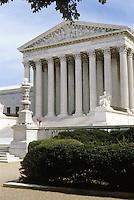 Washington D.C. : Supreme Court Building. Photo '85.