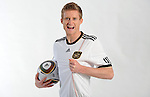 Fussball special, 2010: Andre Schuerrle Shooting im Nationaltrikot