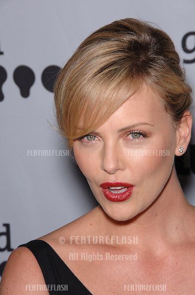 Actress CHARLIZE THERON at the 17th Annual GLAAD (Gay & Lesbian Alliance Against Defamation) Media Awards at the Kodek Theatre, Hollywood..April 8, 2006  Los Angeles, CA.© 2006 Paul Smith / Featureflash