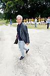 Nederland, Papendal, 1 juli 2012.Seizoen 2012-2013.Eerste training Vitesse .Fred Rutten, trainer-coach van Vitesse komt aan op het trainingscomplex van Vitesse. Achter hem de gehele spelers groep.
