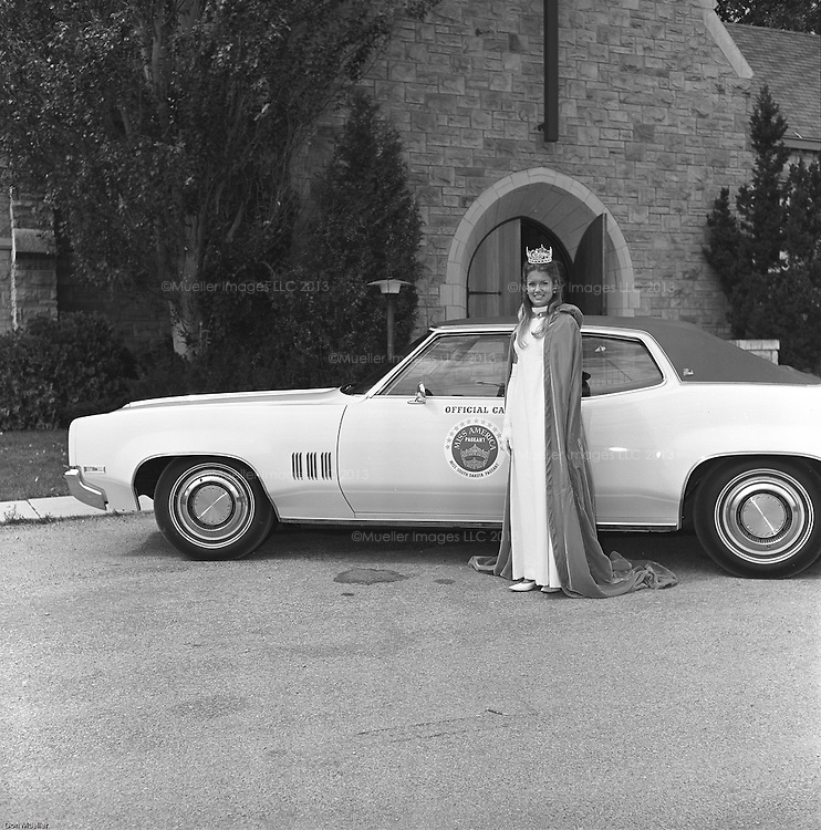Mary Hart (formerly Mary Harum) as Miss South Dakota in 1970 ...