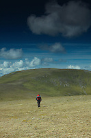 Walking towards Beinn Udlamain from A'Mharconaich, Monadhliath, Drumochter Pass, Cairngorm National Park, Highlands<br /> <br /> Copyright www.scottishhorizons.co.uk/Keith Fergus 2011 All Rights Reserved