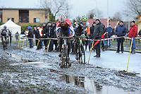 WIELRENNEN: SURHUISTERVEEN: Centrumcross, 20-12-11, Lars Boom, Twan van den Brand, ©foto: Martin de Jong