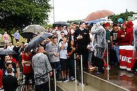 SÃO PAULO, SP, 04.11.2015 - UFC-SP - Chuva forte cancela o  treino aberto em do UFC - Belfort X Henderson 3, no anfiteatro do Parque Villa Lobos, na zona oeste da cidade de São Paulo, na tarde desta quarta-feira, 04 (Foto: Adriana Spaca/Brazil Photo Press)