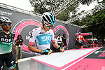 Sign on for the riders before the start of Stage 21 of the 2018 Giro d'Italia, running 115km around the centre of Rome, Italy. 27th May 2018.<br /> Picture: LaPresse/Massimo Paolone | Cyclefile<br /> <br /> <br /> All photos usage must carry mandatory copyright credit (&copy; Cyclefile | LaPresse/Massimo Paolone)