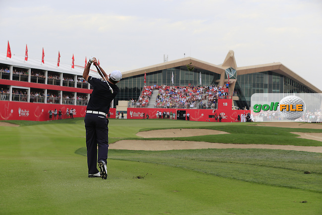 Gary Stal (FRA) plays into the 18th green during Sunday's Final Round of the Abu Dhabi HSBC Golf Championship 2015 held at the Abu Dhabi Golf Course, United Arab Emirates. 18th January 2015.<br /> Picture: Eoin Clarke www.golffile.ie