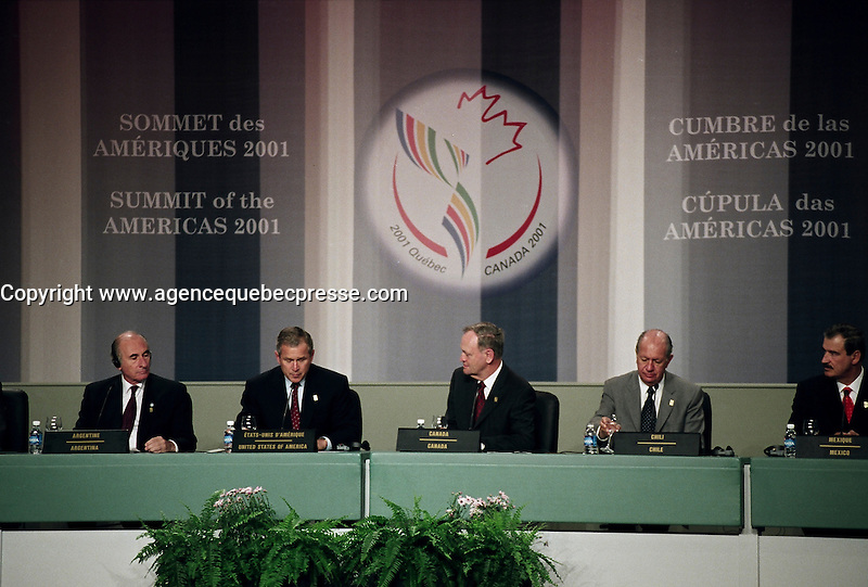April 22, 2001, Quebec, Quebec, Canada<br /> <br /> Prime Ministers and Presidents of the  G8 countries listen to<br /> George W, Bush, United States of Americas President (MO<br /> speech at the closing press conference of the Summit of the Americas 2001,April 22, 2001 in Quebec City, CANADA.