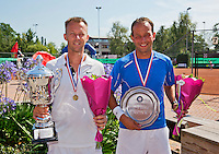 Netherlands, Amstelveen, August 23, 2015, Tennis,  National Veteran Championships, NVK, TV de Kegel,  awards ceremony men's 35+ :  Winner Dennis Bank(L) and runner up Dennis Kockx<br /> Photo: Tennisimages/Henk Koster