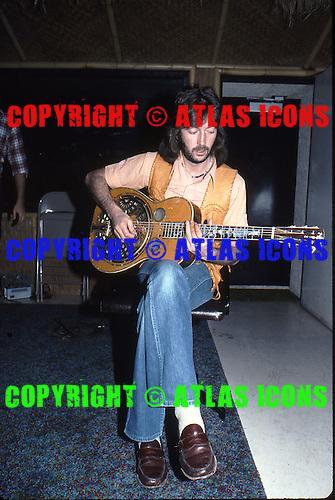 ERIC CLAPTON, RECORDING STUDIO, 1976, NEIL ZLOZOWER