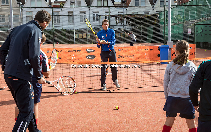 The Hague, The Netherlands, September 13, 2017,  Sportcampus , Davis Cup Netherlands - Chech Republic, Streettennis with Paul Haarhuis<br /> Photo: Tennisimages/Henk Koster