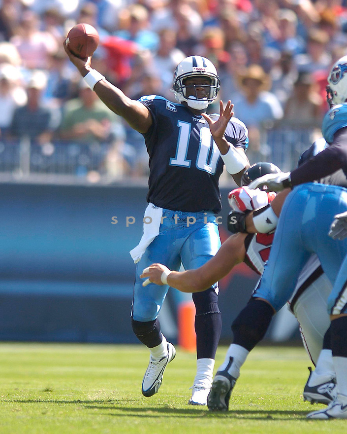 VINCE YOUNG, of the Tennessee Titans, in action during the Titans game against the Atlanta Falcons in Nashville, TN on October 7, 2007...Titans win20-13.....