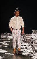 SAO PAULO, SP, 15 JUNHO 2012 - SPFW DESFILE ALEXANDRE HERCHCOVITCH - Desfile da grife Alexandre Herchcovitch durante a 33a edicao do Sao Paulo Fashion Week Verao 2013, nesta sexta-feira, 14.  FOTO: VANESSA CARVALHO - BRAZIL PHOTO PRESS.