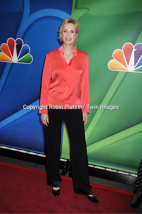 "Jane Lynch  of "" Hollywood Game Night"" arrives at the NBC Upfront Presentation for 2013-2014 Season on May 13, 2013 at Radio City Music Hall in New York City."