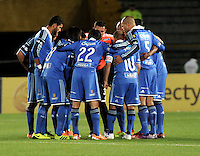 BOGOTA- COLOMBIA -19 -02-2014: Los jugadores de Millonarios durante partido de la sexta fecha de la Liga Postobon I 2014, jugado en el Nemesio Camacho El Campin de la ciudad de Bogota. / The players of Millonarios during a match for the sixth date of the Liga Postobon I 2014 at the Nemesio Camacho El Campin Stadium in Bogota city. Photo: VizzorImage  / Luis Ramirez / Staff