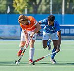 UTRECHT - Oliver Polkamp (Bldaal) met Terrance Pieters (Kampong)   tijdens   de hoofdklasse competitiewedstrijd mannen, Kampong-Bloemendaal (2-2) . COPYRIGHT   KOEN SUYK