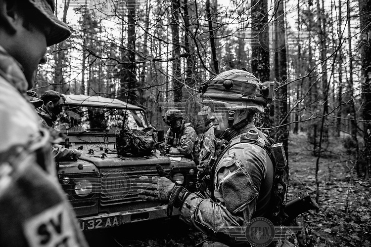 UK soldiers preparing the group defence during NATO Iron Sword joint exercises.
